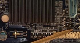 Cum se monteaza cablurile de la carcasa (front panel) pe placa de baza – tutorial video