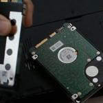 Ako zmeniť pevný disk a optickú jednotku notebook